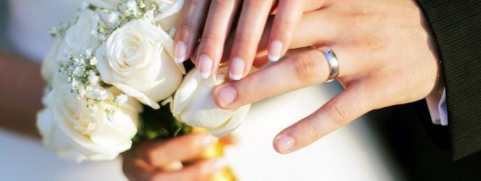 Alianças---FOTO-Journal-des-femmes---casamento